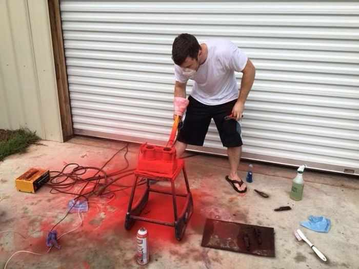 This Guy Turned His Smashed Car's Engine Into An Epic Coffee Table -09