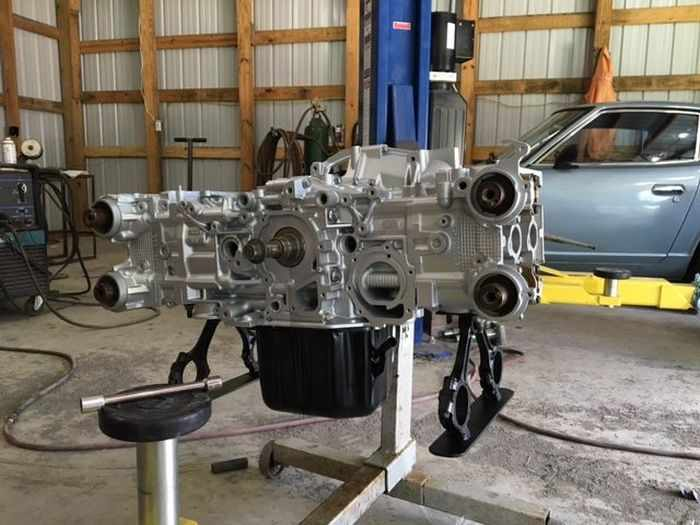 This Guy Turned His Smashed Car's Engine Into An Epic Coffee Table -12
