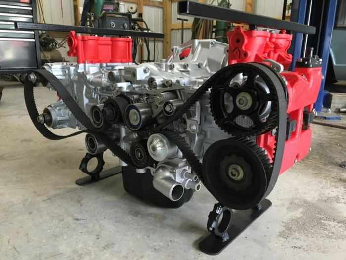 This Guy Turned His Smashed Car's Engine Into An Epic Coffee Table -15